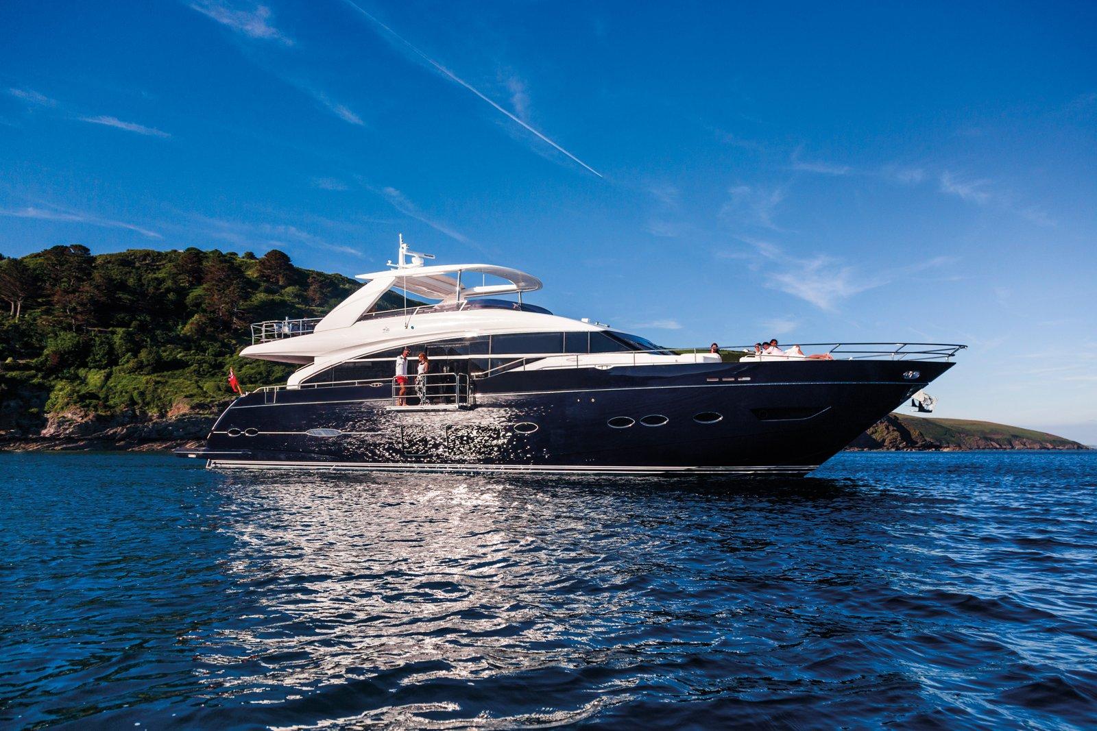 PRINCESS Y88 Motor Yacht